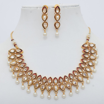 Dazzling Polki Necklace Set