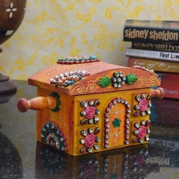 Kundan studded Royal Jewellery Box