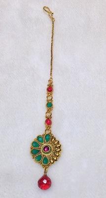 ruby emerald maangtikka