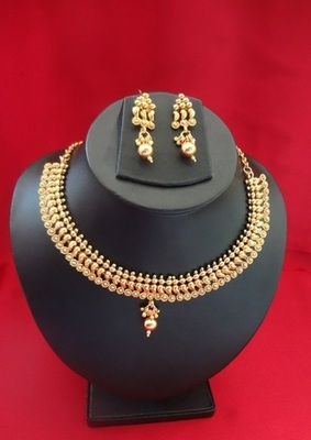 Golden Dreams Necklace with Earrings