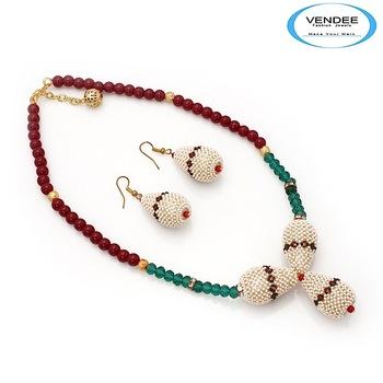 Vendee-Exclusive fashion Necklace set (6864)