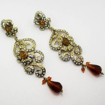 Victorian Curvy Long Earring Copper Yellow