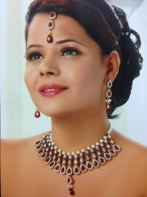 Beautiful Maroon Necklace Set with Pearls