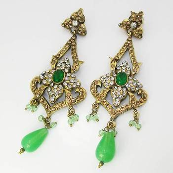 Victorian Floral Earring Pearl Green