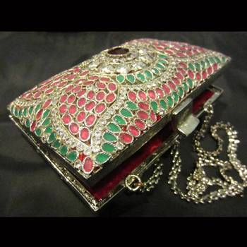 Royal rajwada clutch !!