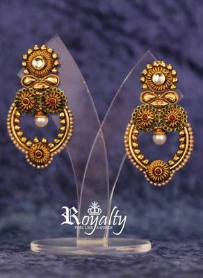 Golden Pearl Classic, Kundan Earrings
