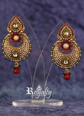 Royal Elegant Polkis Round Kundan Earrings, Pearls Studded
