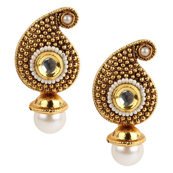 Traditional Indian Bollywood Jewelry Set, Golden Kundan stud Earring Set