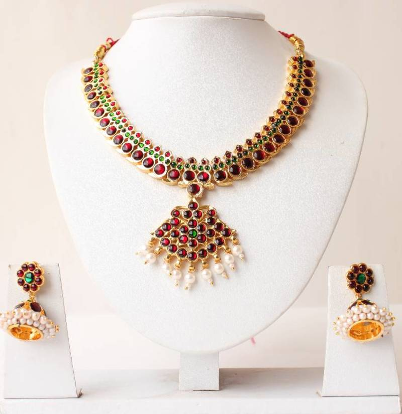 fashion jewellery girl fashionable affordable qimg quora is main online india best artificial for any in the store woman shops which c