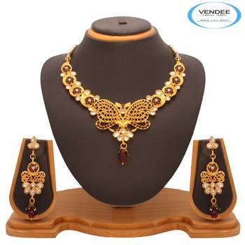 Vendee  Fashion Attractive Remakable Kundan Nacklace Set (7207)