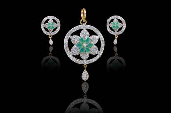 Beautiful Green pendants for Indian women