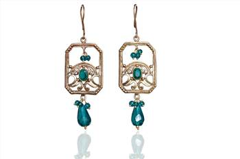 Experience a whole new look of earrings for the new age couple