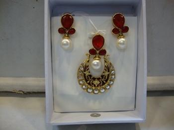 Design no. 18B.1383....Rs. 1650
