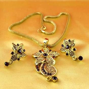 gold platted necklace