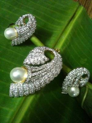 cz diamond with pearl